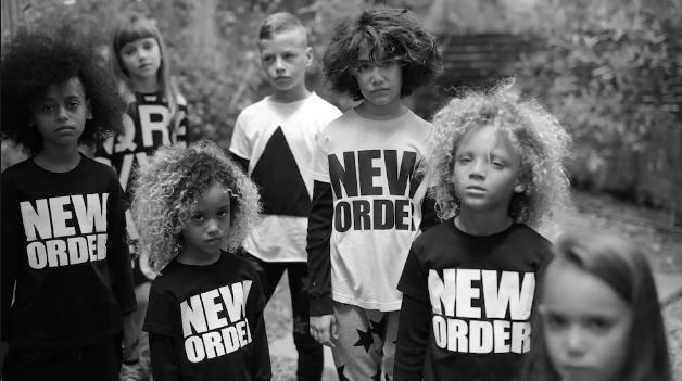 Image campagne Célinununu mode enfant de Céline Dion copyriht : Célinununu
